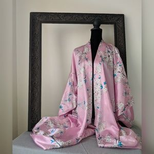 Other - Beautiful Silky Floral Full Length Japanese Kimono